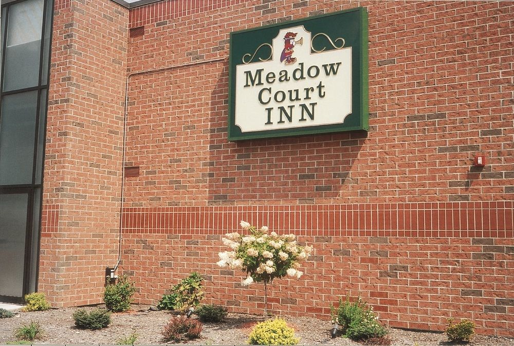 Meadow Court Inn & Royal Court Restaurant